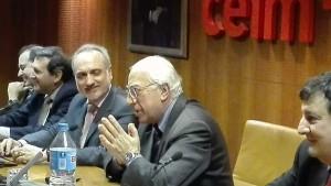 El doctor Minervini junto a Miguel Ángel Martín (presidente de Infebex), Salvador Marín (presidente de ECOFIN) y Antonio Alonso (presidente de AEEN).