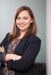 Nuria Esparza hablando de los beneficios para empleados