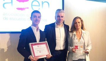 Profesores de ENyD reconocidos en el congreso de AEEN
